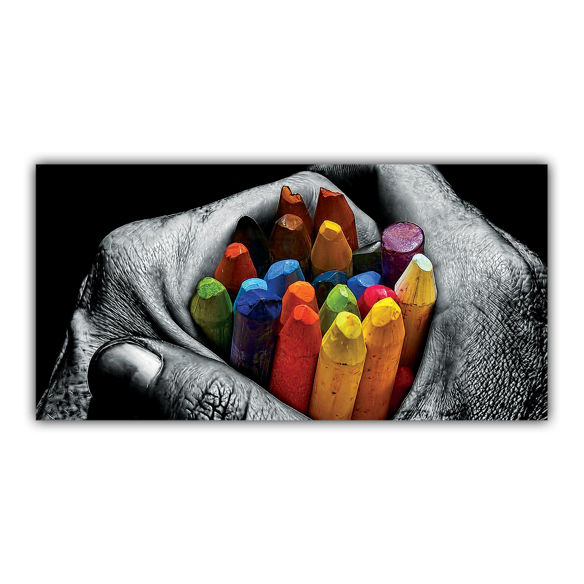 Mains Crayons de couleur