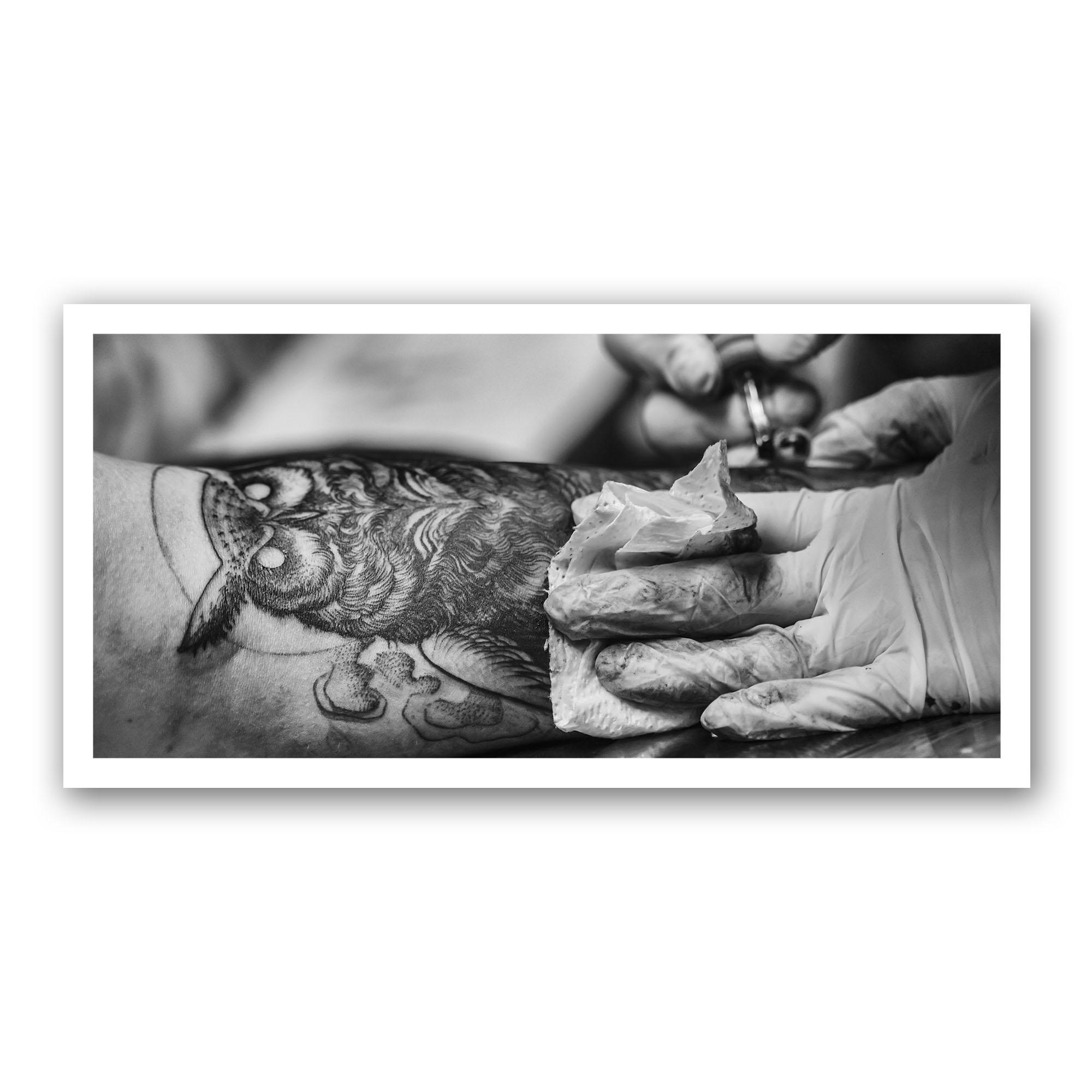 Tatouage d'un Hibou Noir et Blanc